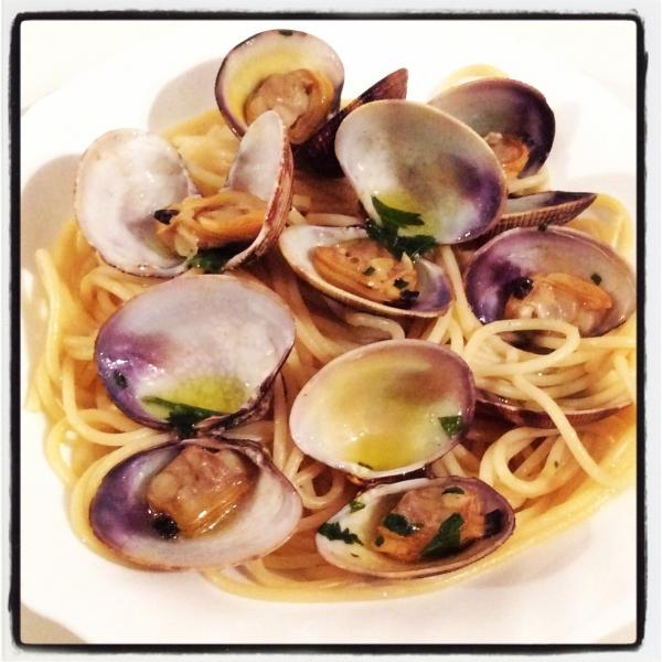 Espaguetis con almejas un banquete para los dioses - Espaguetis con almejas ...